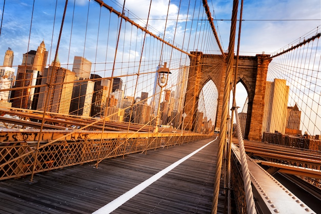 Ponte di brooklyn a new york city