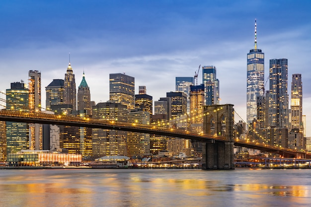 Ponte di brooklyn a new york