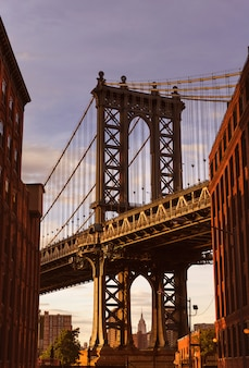 Ponte di manhattan a brooklyn street new york stati uniti