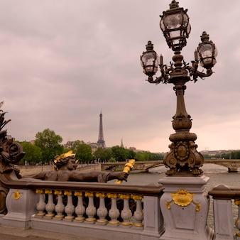 Ponte di ponte alexandre iii a parigi francia