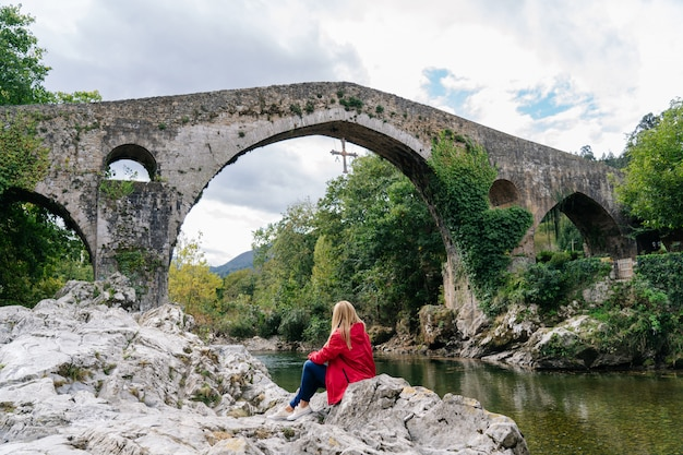 Ponte romano nelle asturie in spagna