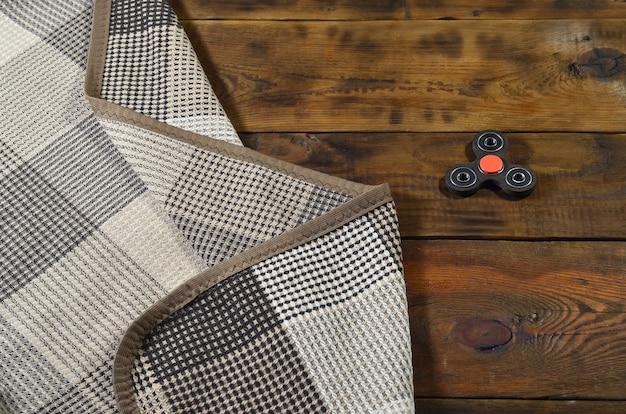 Popolare dispositivo spinner. moderno giocattolo a filare agitato su cuscinetti