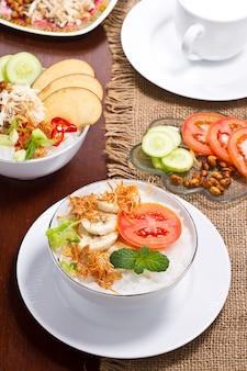 Porridge di riso con varie spezie