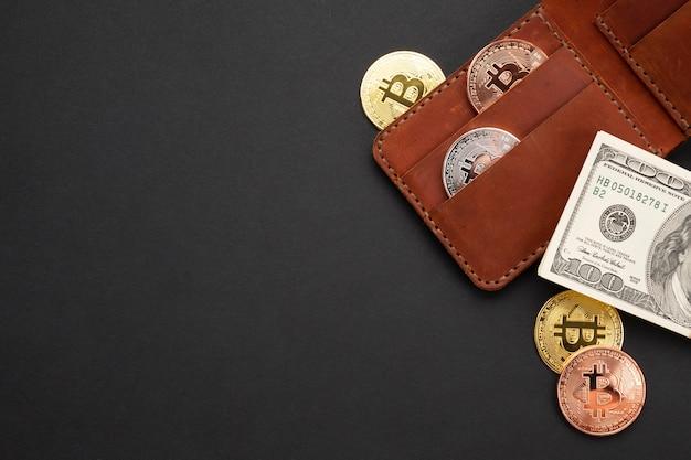 Portafoglio con moneta distesa piatta