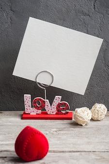Portafoto con la parola amore