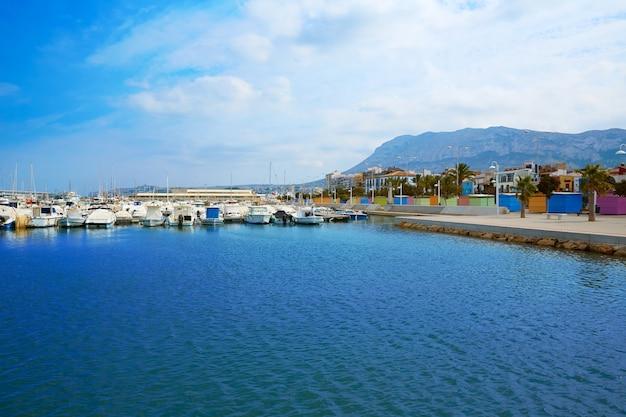 Porto turistico di denia port nel mediterraneo di alicante