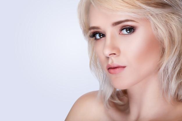 Portrai di bella donna viso