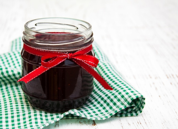 Porzione di marmellata di mirtilli rossi
