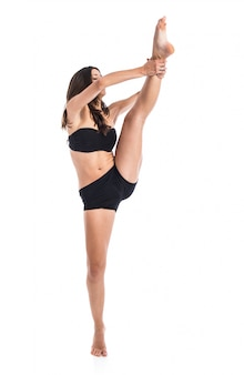 Posa femminile di giovane yoga