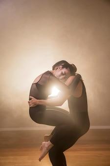 Posizione di tenuta del balletto a medio colpo