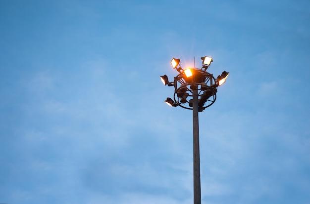Posta di elettricità alla sera