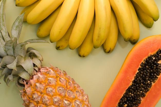 Posto di frutta per l'iscrizione