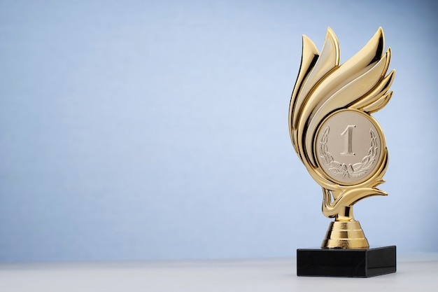Premio della statua a forma di ghirlanda per aver vinto il primo posto