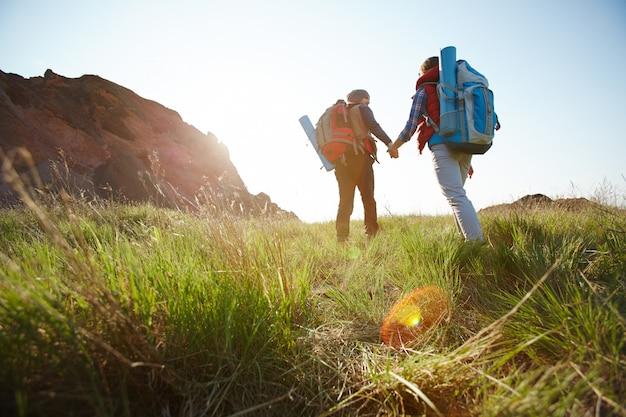 Prendendo il percorso verso le montagne
