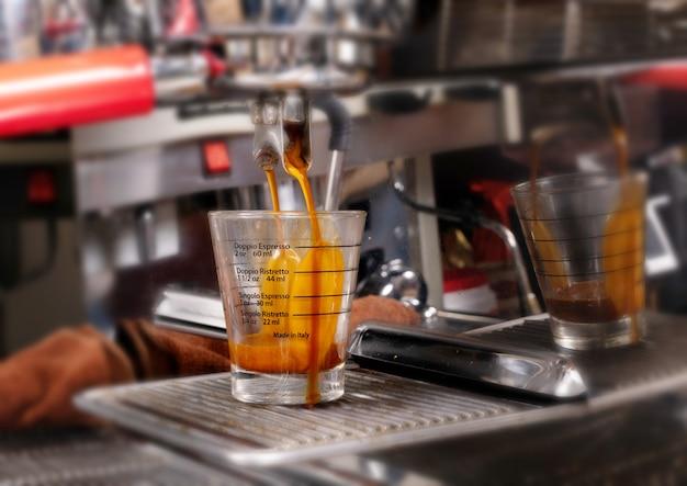 Preparare il caffè espresso