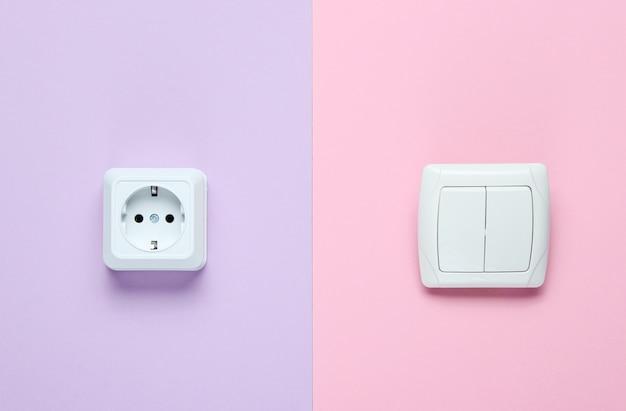 Presa elettrica, interruttore. vista dall'alto, minimalismo