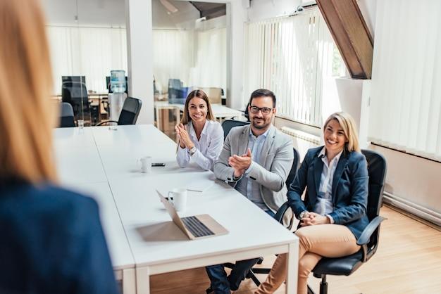 Presentazione aziendale di successo punto di vista