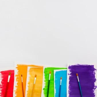 Pride day concept copia spazio e pennelli