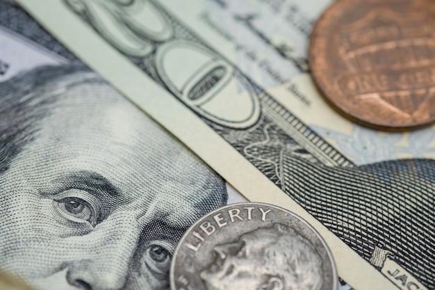 Primo piano benjamin franklin delle banconote americane dei dollari americani