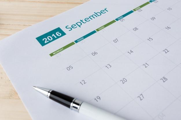 Primo piano dei numeri alla pagina del calendario