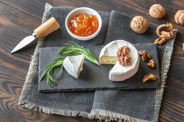 Primo piano del formaggio cambozola
