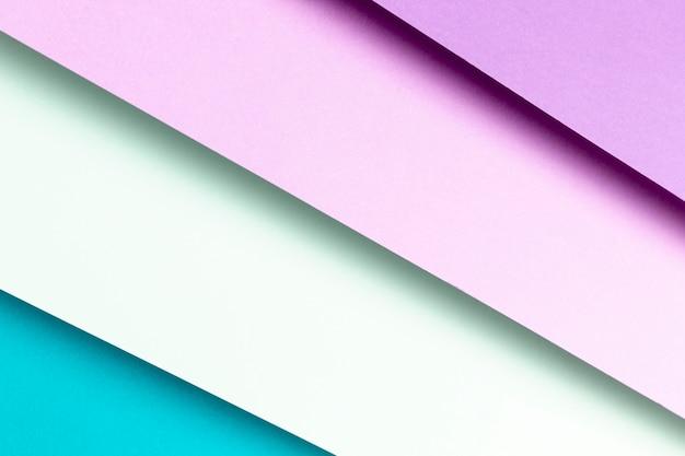 Primo piano del modello blu e viola piatto laici