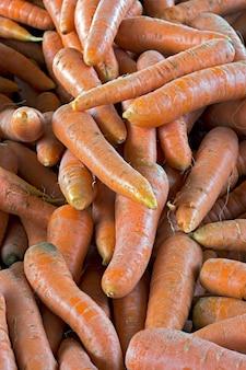 Primo piano del mucchio di carote