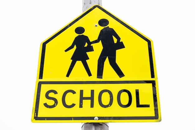 Primo piano del segno di scuola