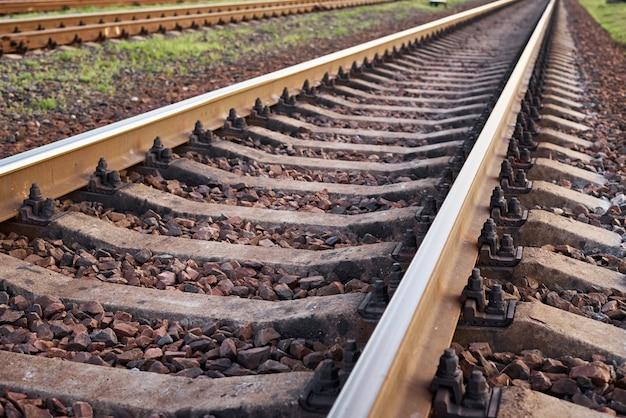 Primo piano della ferrovia. parte della ferrovia