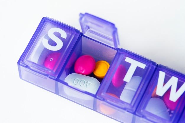 Primo piano della scatola di pillole