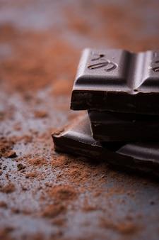 Primo piano di cioccolato fondente