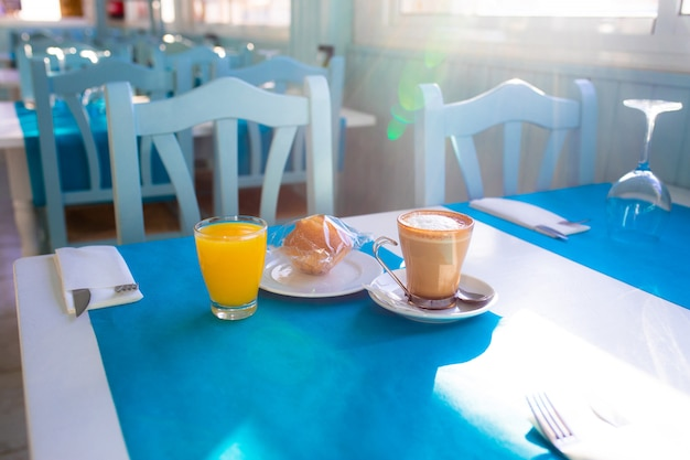 Primo piano di colazione mediterranea