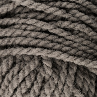 Primo piano di filato di lana colorato