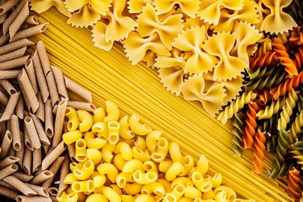Primo piano di misto di pasta