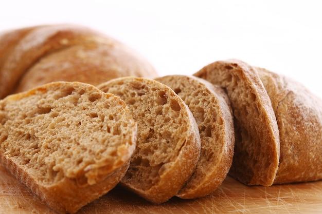 Primo piano di pane a fette
