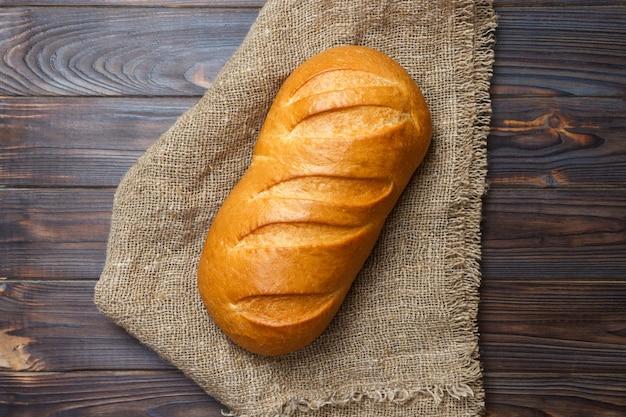 Primo piano di pane fresco tradizionale. vista dall'alto