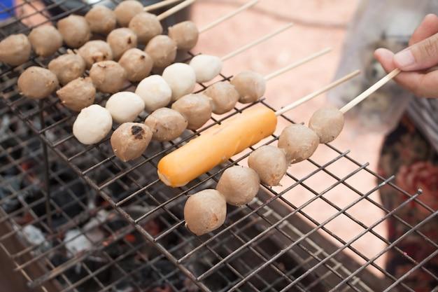Primo piano di un cibo della strada in thailandia.