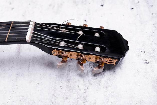 Primo piano di una chitarra