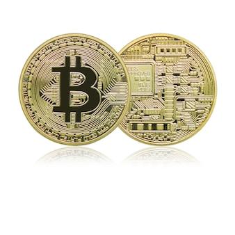 Primo piano entrambi i lati delle monete di bitcoins dorati con la riflessione