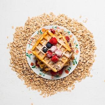 Primo piano gustosa colazione con cialde