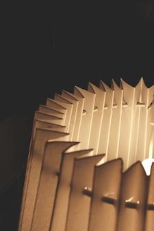 Primo piano lampada a fisarmonica