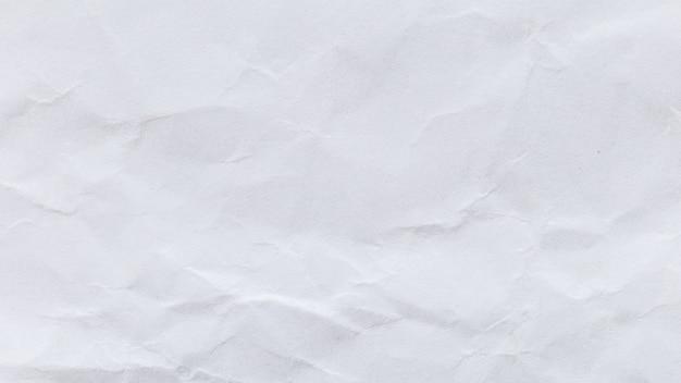 Priorità bassa di carta riciclata bianca sgualcita per comunicazione commerciale ed educazione