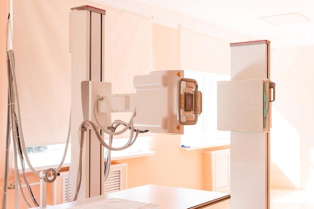Procedura di esame ecografico. diagnosi e ricerca di malattie con l'aiuto di ultrasuoni, esame ecografico, ecografia, mammografia