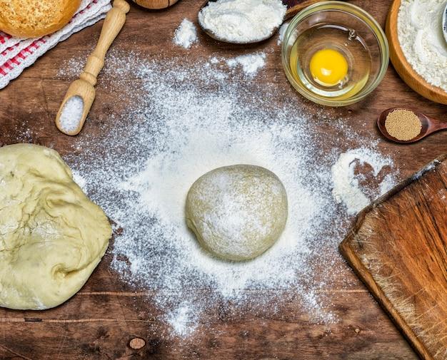Processo di preparazione dei panini con farina di grano bianco