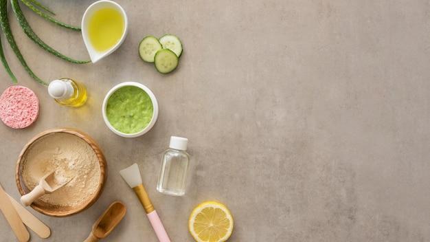 Prodotti cosmetici piatti laici copia spazio
