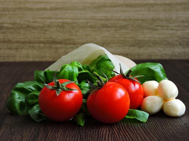 Prodotti per insalata caprese.