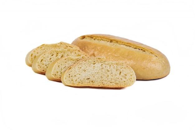Prodotto da forno fresco. pane. lievito onu della città del panino isolato su fondo bianco. vista dall'alto e copia spazio per il testo.