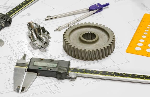 Progettazione dell'operatore e ispezione di parti automobilistiche