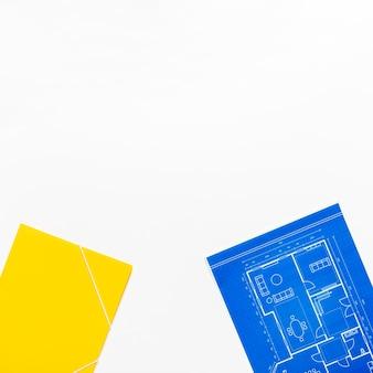 Progetto architettonico su sfondo bianco con spazio di copia