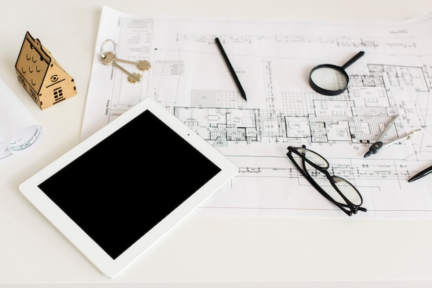 Progetto di architettura e mockup di tablet